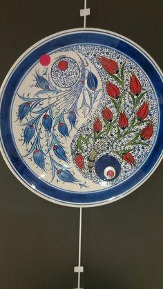 Turkish Design, Turkish Art, Turkish Tiles, Pottery Plates, Ceramic Plates, Ceramic Art, Plate Art, Cool Art Drawings, Orient