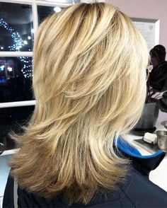 Shaggy Haircut With Flipped Up Layers Medium Shag Haircuts, Shaggy Haircuts, Shag Hairstyles, Layered Haircuts, Straight Hairstyles, Wedding Hairstyles, Hairstyles Videos, Homecoming Hairstyles, Casual Hairstyles