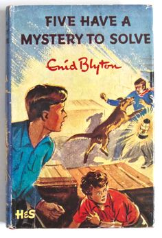 Enid Blyton Famous Five: Five Have a Mystery to Solve Edition Comics Vintage, Vintage Children's Books, Antique Books, Nostalgia, Famous Five Books, Enid Blyton Books, Cartoon Books, Ladybird Books, Album Book