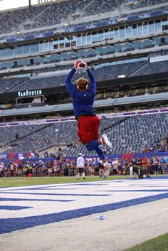 Odell doing what he does best at today's game