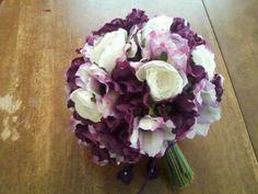 bouquet :  wedding black bouqet ceremony diy flowers purple white
