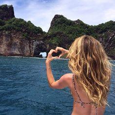 Gisele Bündchen au Brésil http://www.vogue.fr/mode/mannequins/diaporama/la-semaine-des-tops-sur-instagram-23/18253/image/992184