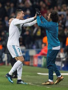 Cristiano celebrates with Marcelo after scoring vs Dortmund Cristano Ronaldo, Cristiano Ronaldo Cr7, Real Madrid Cr7, Big Love, Soccer, Football, Baseball Cards, Celebrities, Sports
