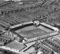 Goodison Park, Everton in the English Football Stadiums, British Football, Uk Football, Vintage Football, Countries Around The World, Around The Worlds, Fulham Fc, Image Foot, Goodison Park