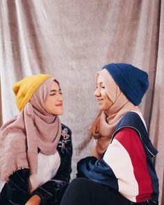 Hijab Fashion Summer, Ootd Fashion, Hijab Fashion Inspiration, Style Inspiration, Morning People, Hijabs, Hijab Outfit, Wallpaper Backgrounds, Ulzzang