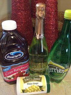 Poinsettia Punch Recipe - easy & festive!  (alcoholic or non-alcoholic)