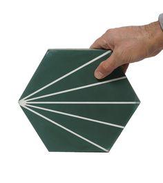 Marockanskt Kakel Hexagon Zagora green är en torrpressad och handgjord cementplatta. Kan användas till golv eller väggar, inomhus och utomhus.. REA 750:- m²