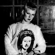punk Soo Catwoman in Seditionaries 70s Punk, Punk Goth, Punk Rock Girls, Goth Club, Moda Punk, Rock Revolution, New Wave Music, Disco Funk, Teddy Boys