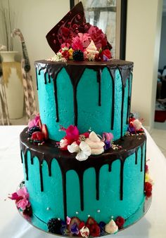 Can we do grey ganache with pink frosting - Wedding Cake Goals. Top tier: Layers of vanilla and white chocolate mudcake…
