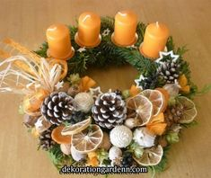 Simple and Popular Christmas Candles Decorations; Christmas Decor DIY crafts how to make Simple and Popular Christmas Candles Decorations Christmas Advent Wreath, Christmas Candle Decorations, Xmas Wreaths, Centerpiece Decorations, Christmas Candles, Rustic Christmas, Christmas Time, Christmas Crafts, Theme Noel