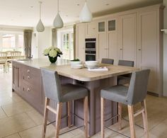 One of the most popular ways to update a kitchen - without ripping out and starting all over again - is to paint kitchen cabinets, replace countertops, and install new fittings and appliances. However, if cabinetry is not in such good condition you may want to consider replacing damaged or old cabinets, and making your own kitchen cabinets is not as difficult as you think.
