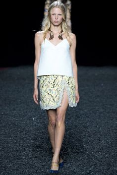 Mary Katrantzou Spring 2015 Ready-to-Wear Fashion Show - Lina Berg