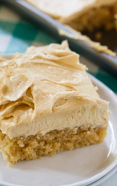 PEANUT BUTTER SHEET CAKE is a moist sheet cake topped with a super creamy and sweet peanut butter icing. It is a peanut butter lover's dream and perfect for potlucks and picnics. Peanut Butter Sheet Cake, Peanut Butter Desserts, Peanut Butter Frosting, Peanut Cake, Peanut Butter Bread, Chocolate Frosting Recipes, Peanut Butter Brownies, Chocolate Cake, Brownie Desserts