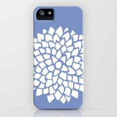This case is very simple with two colors and repetition of the diamond shape. The purple makes the white petals stand out. I am inspired by the flower shape created by many smaller shapes.