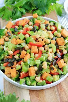 Zapiekane warzywa w marynacie czosnkowo - ziołowej | Tysia Gotuje blog kulinarny Feta, Cantaloupe, Salsa, Fruit, Ethnic Recipes, Salsa Music