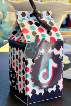 Take a look at this trendy TikTok birthday party! The party favor boxes are fab! See more party ideas and share yours at CatchMyParty.com #catchmyparty… #partyideas #tiktok #tiktokparty #girlbirthdayparty #partyfavorbox Boy Party Favors, Baby Shower Favors, Girl Birthday, Birthday Parties, Idea Box, Packaging Ideas, Party Photos, Favor Boxes, Party Printables