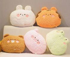 Kawaii Plush, Cute Plush, Ways To Cuddle, Animal Cushions, Cute Kawaii Animals, Fluffy Pillows, White Pillows, Cute Stuffed Animals, Bear Toy