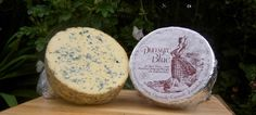 Cheese.com: Dunsyre Blue