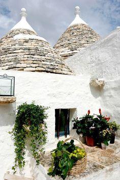 BEAUTIFUL RESTORED TRULLI IN PUGLIA, ITALY
