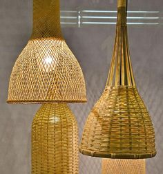 Na dupla de luminárias Bamboo M2 e Bamboo M3, as cúpulas são feitas com tramados de bambu que lembram cestos artesanais. Assim a luz emitida é filtrada e passa delicadamente por entre as fibras.