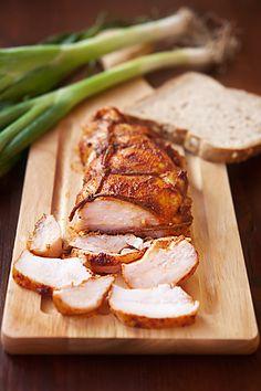 Куриная пастрома с паприкой и мёдом - 1 куриная грудка 1 ст.л. сладкой паприки 1/4 ч.л. мускатного ореха 2 ст.л. оливкового масла 1 ч.л. давленого чеснока 1 ч.л. мёда соль