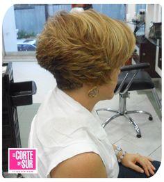 Dale movimiento a tu cabello con las mejores técnicas de peluquería, por Alfredo Arroyave de nuestra sede Peñón! Llama y solicita tu cita al 3710305 ¡El Corte del Sur Peluquería Tiene Tiempo Para Ti!