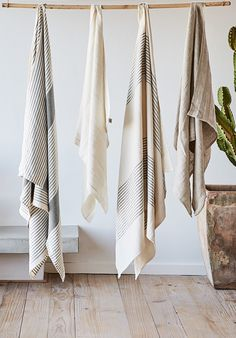 Hammam towels in a linen/cotton blend instantly elevate your bathroom's style.