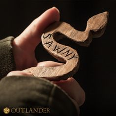 Outlander Season 1......Sawny ,the cherry wood snake made for Jamie by his older brother William which he gave him for his 5th Birthday in 1726, William died of smallpox in 1727.