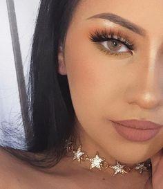 Instagram – Lupsona Star Rhinestone Embellished Choker