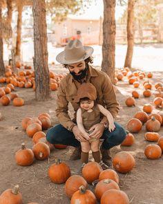 family pumpkin patch photos