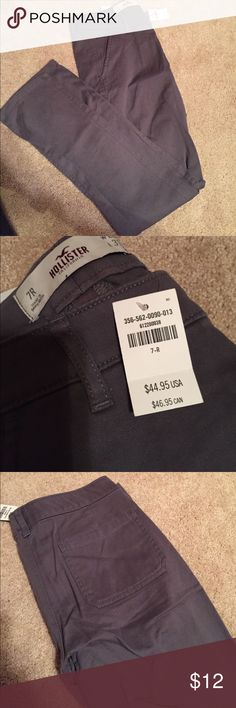 Gray hollister pants PRICE DROP! Super cute gray straight leg pant! Size 7-R. Waist 28, length 31. Hollister Pants Straight Leg