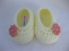 Baby Girl Infant Shoes / Slippers / Booties Cream by AbitofLovely