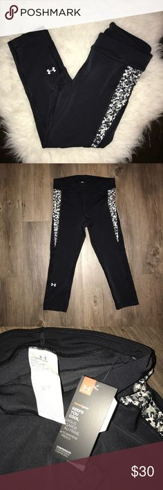 Under Armour Heat Gear Leggings NWT, very comfortable!! Inseam: 20 inches Under Armour Pants Leggings