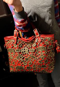 39.99 USD Gold Hardware Skull Head Lace Big Messenger Bag
