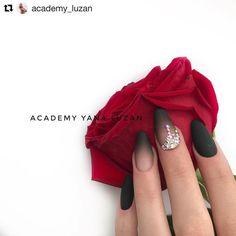 #Repost @academy_luzan (@get_repost) ........ Роскошные чёрные матовые ноготки, украшенные сияющими стразами Работа выполнена гель лаком Lunail #60, а также матовым топом и клеем для страз нашей торговой марки☝ -------- #lunailmaniya #lunail_yanaluzan #lunail_production #lunail_цветауспеха #lunail_ru #lunail