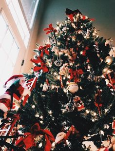 Christmas aesthetic – 30 pictures Merry Christmas from our family to yours. /notjessfashion/ Trendy and Cozy Holiday Decorating Ideas Dreaming of Christmas Holiday Baki… Christmas Feeling, Christmas Time Is Here, Noel Christmas, Merry Little Christmas, Merry Xmas, All Things Christmas, Winter Christmas, Christmas Quotes, Christmas Wonderland