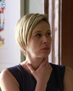 liza weil hairstyle season 1 how to get away with murder Robin Wright Hair, Liza Weil, Hey Pretty Girl, Grown Out Pixie, How To Get Away, Grow Out, Gilmore Girls, My People, Pretty Hairstyles