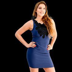 Dress  tubinho  na cor azul com detalhe  bordado  em renda  tamanho  M. Está  com desconto promocional  última  pecinha no tamanho  M.  Pegue o seu agora  www.santollo.com.br  #moda #model #chic #elegant #girls #glam #picoftheday #instadaily #ootd #likes #Instagood #lover #girls #Style #stylish #dress #vestidos #uberaba #minasgerais