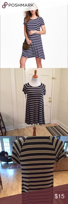 Old Navy Ribbed Shirt Dress - Size Small Petite Old Navy Ribbed Dress - Small Petite.  Runs small.  Navy & White.  Worn once Old Navy Dresses Mini