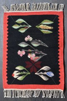 Folk Embroidery, Traditional Rugs, Loom, Parenting, Textiles, Kids Rugs, Patterns, Home Decor, Home