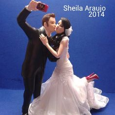 #topodebolo em estilo #selfie  Feito para a #noiva @ninacristofolini que se #casou em dez/14. #noivinhos #caketoppers #detalhesdocasamento #casamento #casamentodoano #casalromantico #noivosfelizes #noivalinda #weddingcaketoppers #topcake #casandoemstacatarina