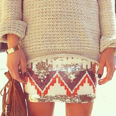 big sweater/printed skirt