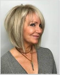 38 Bob Cut Frisuren für Damen Bob Hairstyles bob hairstyles for over 50 Short Choppy Haircuts, Layered Haircuts For Women, Layered Bob Hairstyles, Hairstyles Haircuts, 60 Year Old Hairstyles, Hairstyles For Over 60, Bob Hairstyles For Fine Hair With Fringe, Popular Haircuts, Wedding Hairstyles