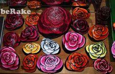 Vendo Piedras pintadas a mano: rosas. varios tamaños desde 10 euros. gastos de envio no incluidos...
