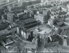 Un beau panorama du quartier de la place d'Aligre en 1951. Tous les immeubles bas face au marché ont disparu... (photo © Roger Henrard)  (Paris 12ème)