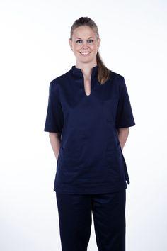 La ortodoncia para adultos llega a nuestra clínica de la mano de la Dra. Julia Martínez-Almoyna.