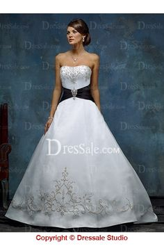 {Can't Afford It/Get Over It} Black & White Wedding Gowns - The Broke-Ass Bride: Bad-Ass Inspiration on a Broke-Ass Budget Formal Gowns, Strapless Dress Formal, Prom Dresses, White Wedding Gowns, Dress Wedding, White Weddings, Blue Wedding, Pregnant Wedding Dress, Fru Fru
