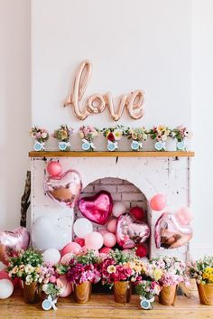 Are you going to have a party on Valentine's Day? if yup, here are Valentine's Party Decorations Ideas for you. Almost inseparable colors for parties on Valentine&… Valentines Day Party, Valentines Day Decorations, Be My Valentine, Birthday Decorations, Balloon Decorations, Valentine Flowers, Office Decorations, Flower Decorations, Valentinstag Party