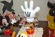TATU-BOLINHA DECORAÇÃO: Mickey Mouse e a Luva Balão