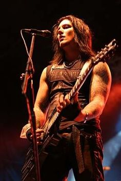 Synyster Gates of Avenged Sevenfold.